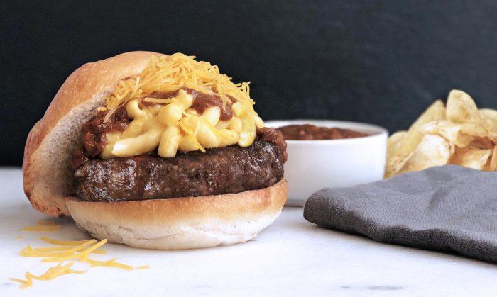 Cincinnati Inspired Mac and Cheese Burger